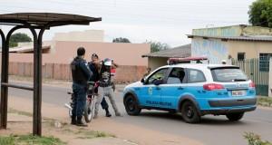 Abordagem policial (foto divulgação/PMMS)