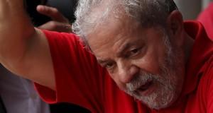 Políticos do governo próximos à Dilma e Lula vai fazer uma verdadeira operação para tentar convencer o ex-presidente a aceitar a oferta